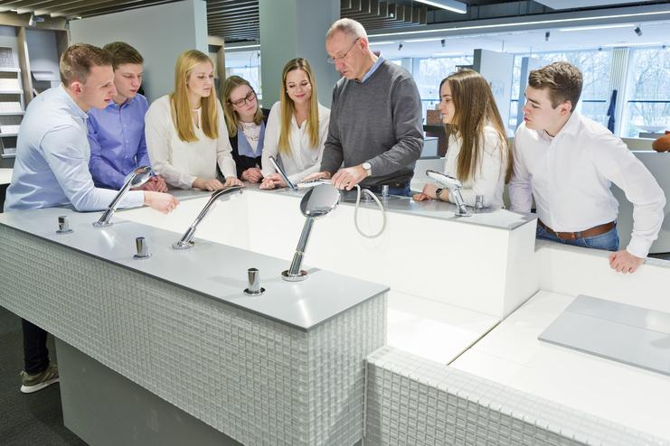 Startseite Mosecker Grosshandelsunternehmen Mit Know How Rund Um Moderne Haustechnik Elektro Und Stahl